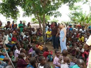 Sarah Hope explaining ELoH's mission at Oslo Amputee Camp, Makeni